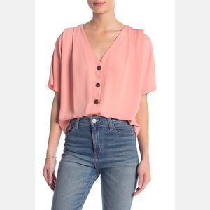 NWT Elodie V-Neck Button Blouse in Rose M